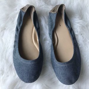 Cole Haan blue chambray jean gold flats Sz 5.5
